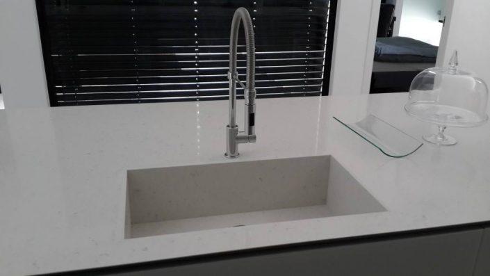 כיור זכוכית - Kitchen Gallery