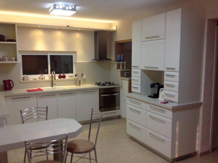 מטבח בסגנון כפרי - Kitchen Gallery